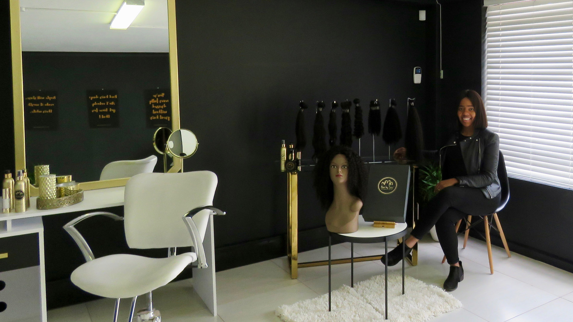 Hair-by-Sisi-Hair-Boutique-and-Installation-Bar2