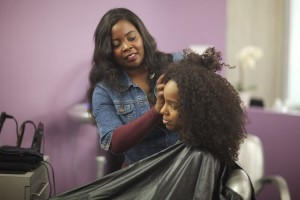 Kim Kimble styling Kinky curly hair
